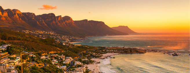 Cape Town: 5-Night Trip w/Air, Tours & More